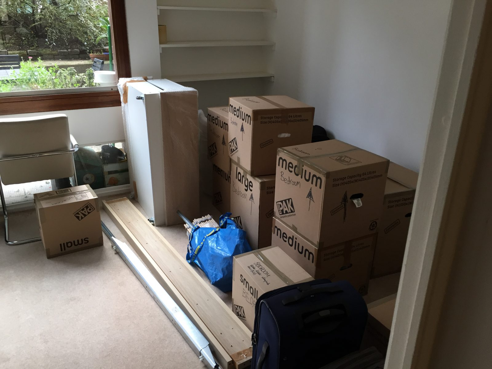 Unloading complete – now it's over to the clients!